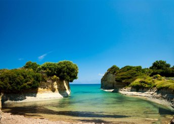 11-14 nap 2 főre Görögországban, Korfu szigetén, Sidariban, busszal, önellátással, a Sofia Apartmanházban