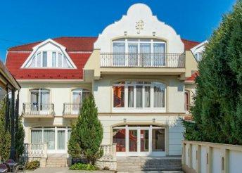6 napos nyaralás 2 főre a hajdúszoboszlói Aqua Blue Hotelben, reggelivel, wellness használattal