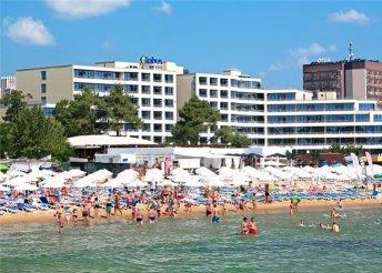 8 napos nyaralás Naposparton repülővel, félpanzióval, transzferrel, a tengerparti Globus Hotelben****