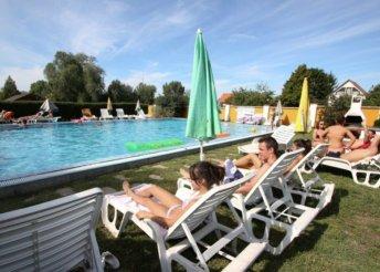 8 napos családi, főszezoni nyaralás a Balatonon 4 főre önellátással, Siófokon, a Piknik Üdülőfaluban