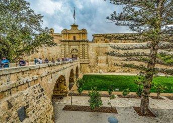 8 napos nyaralás Máltán, a Hotel Caniforban, repülővel, félpanzióval, programokkal és kirándulásokkal