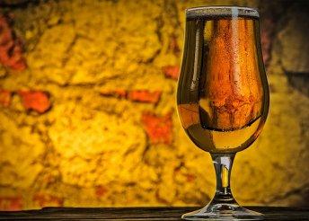 Aranypecsét-díjas cseh kézműves sörök kóstolója előétellel 2 fő részére a Trio Lord Étteremben
