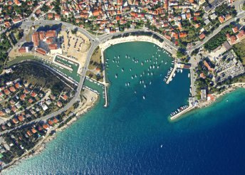 8 napos last minute nyaralás az Adrián, a Kvarner-öbölben, Novi Vinodolskiban, reggelivel, a Ruza*** Hotelben
