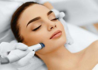 Mikrodermabráziós arccsiszolás arcmasszázzsal, feltöltő regeneráló szérummal a Face & Body Kontúrtól