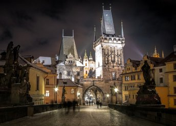 Adventi városnézés Prágában, buszos utazással, reggelivel és 3*-os szállással