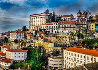 5 napos városnézés 2 személyre Portóban, reggelivel, repülőjeggyel és illetékkel, 3*-os hotelben