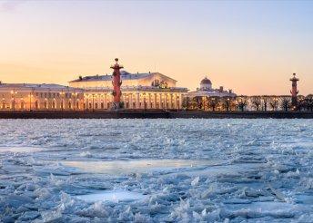 6 napos szilveszteri városnézés Szentpéterváron, 5*-os szállással, reggelivel, transzferekkel, idegenvezetéssel