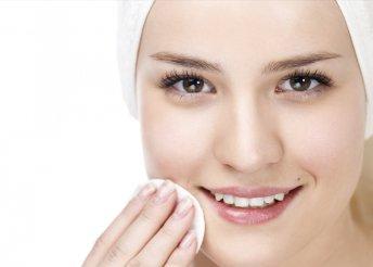 Arctisztítás gőzöléssel és hyarulox lézeres arcfeltöltés a Beauty Deluxe Cosmetics Rózsadomb szalonban