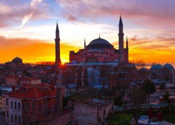 4 napos városnézés Isztambulban, félpanzióval, 4*-os szállással, repülőjeggyel