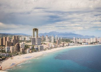 8 nap 2 főre Costa Blancán, a benidormi Joya*** Hotelben, félpanzióval, repülőjeggyel és illetékkel