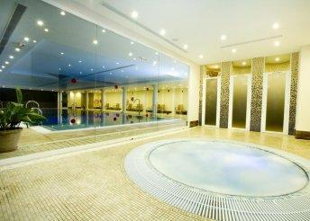 8 nap 2 főre Costa del Solon, repülőjeggyel, illetékkel, félpanzióval, a Monarque Cendrillón Hotelben***