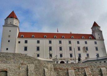 1 napos buszos kiruccanás Pozsonyba, Dévény és Vöröskő várához