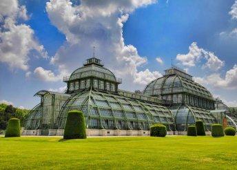 1 napos városnézés Bécsben buszos utazással, látogatással a Schönbrunni kastélyban és az Állatkertben