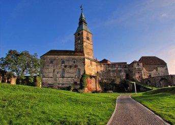 1 napos buszos utazás Burgerlandba, Güssing várához, és a Jeli Arborétumba