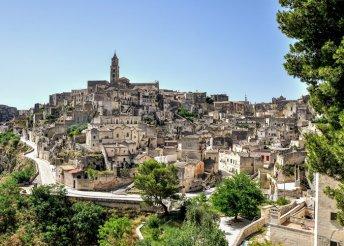 Buszos kirándulás az olasz csizma sarkába, kompozással Bari és Dubrovnik között, reggelivel