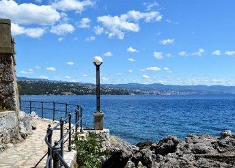 1 napos strandolás az Adriai-tenger partján, Opatiján, Horvátországban, buszos utazással