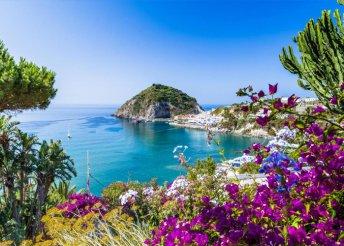 6 napos kirándulás a Nápolyi-öböl szigetein, Ischián, Caprin és Procidán, repülőjeggyel