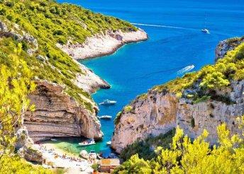 Horvátországi vakáció Vis szigetén, buszos utazással, 3*-os szállással, reggelivel
