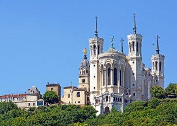 5 napos francia bortúra Burgundiában, Lyontól Dijonig, repülőjeggyel, illetékkel, reggelivel