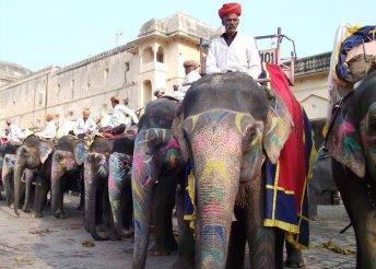 9 napos körutazás Indiában, repülőjeggyel, helyi busszal, félpanzióval, idegenvezetéssel
