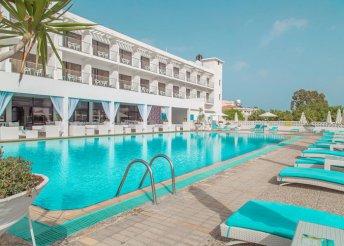8 nap 2 főre Dél-Cipruson, félpanzióval, repülővel, a lárnakai Sveltos Hotelben***