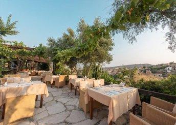 8 nap 2 főre Dél-Cipruson, félpanzióval, repülővel, a Cyprus Villages vendégeként