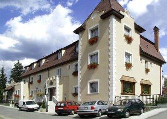 3 vagy 4 nap 2 főre Miskolctapolcán, a Kikelet Club Hotelben, félpanzióval, wellnessbelépővel