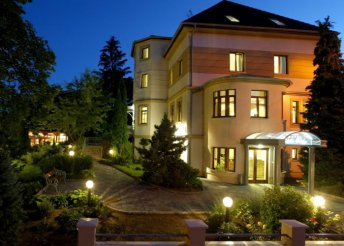 3 vagy 4 napos hétvégi pihenés 2 főre a Szépasszonyvölgyben, a Villa Völgy**** Hotelben