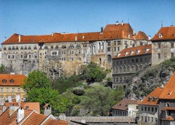 5 napos körutazás dél-csehországi kastélyokhoz prágai városnézéssel, busszal, reggelivel