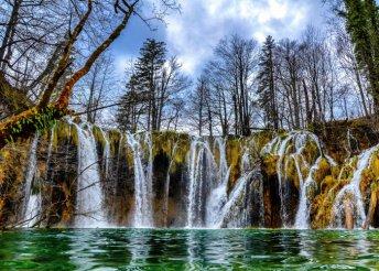 Buszos utazás a Plitvicei Nemzeti Parkhoz 3 napos horvátországi körutazással