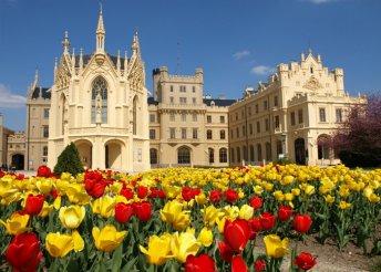 5 napos kirándulás cseh várakhoz és kastélyokhoz, busszal, félpanzióval, 4*-os szállással, Húsvétkor is