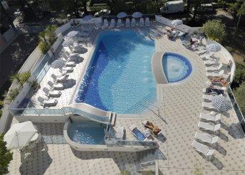 8 napos nyaralás Olaszországban, Bibionéban, a Firenze*** Hotelben
