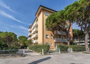 8 napos nyaralás Olaszországban, Caorléban, az Armor*** Apartmanházban