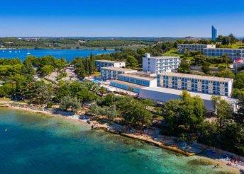 2 vagy 8 napos nyaralás Horvátországban, Isztrián, Porecben, a Plavi*** Hotelben