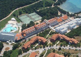 5 napos nyaralás Horvátországban, Isztrián, Pulában, a Duga Uvala*** Resortban