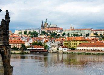 4 napos városnézés Prágában, buszos utazással, reggelivel, 3*-os szállással, idegenvezetéssel