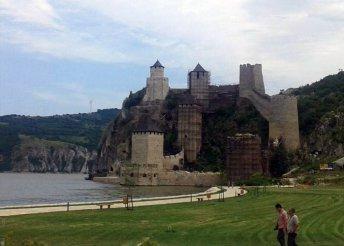 4 napos körutazás Szerbiában, ahol a Duna tengerré lesz, buszos utazással, félpanzióval, 3*-os szállással